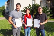 Els tres alcaldes mostren la carta que han enviat a la consellera de Salut, Alba Vergés