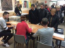 Votacions a la seu de l'AV Font Pudenta-Muntanyeta