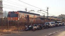 El tren implicat a l'accident, aturat a l'R2, davant l'Ajuntament