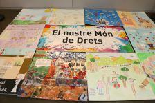 Exposició artística del concurs 'Construïm el nostre món de drets'
