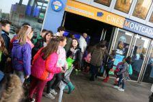 Alumnes que van participar a la primera edició del CINC, a les portes del cinema