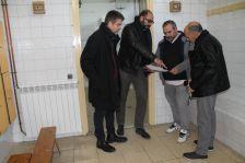 Visita d'obres per comprovar la calefacció del gimnàs municipal